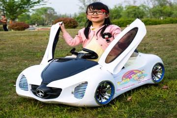 Lưu ý khi sử dụng xe ô tô điện trẻ em