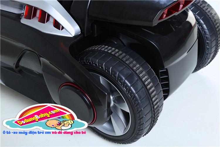 bánh sau của siêu xe ô to điện trẻ em yh-809