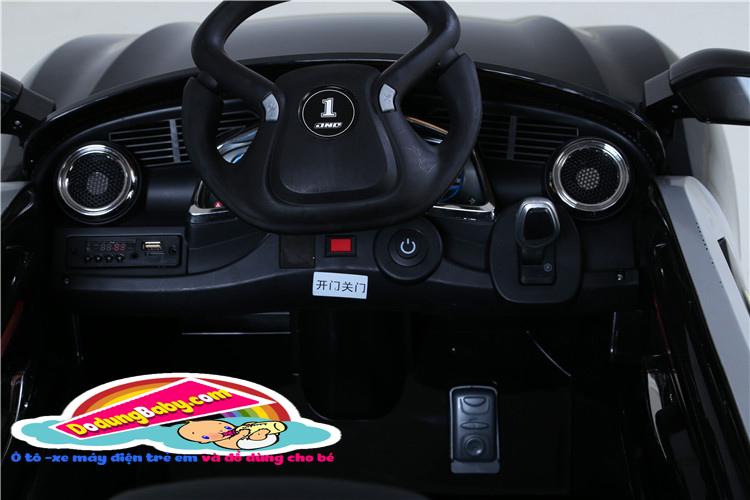 chi tiết phía trước của xe ô tô điện trẻ em yh-809