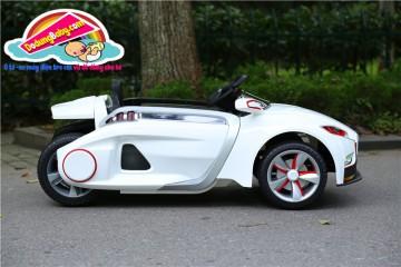 Có nên mua ô tô điện trẻ em cho con không?