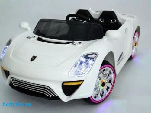 xe-ô-tô-điện-trẻ-em-WXE-9988-màu-trắng