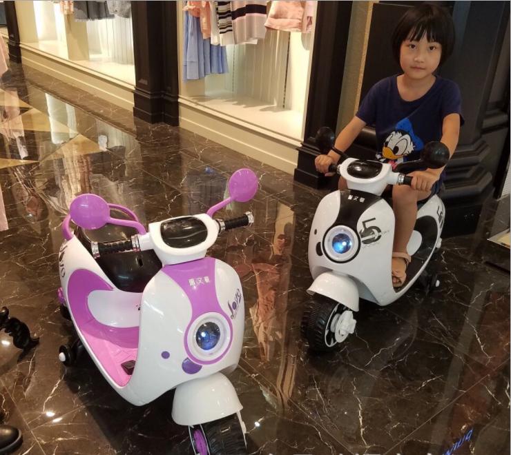 xe-máy-điện-cho-bé-gái-2017