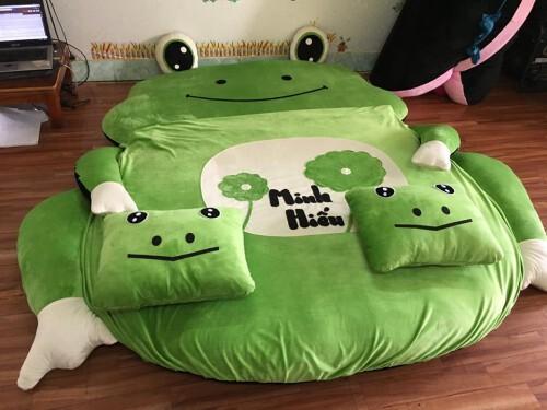 Các-đặc-điểm-nổi-bật-của-Nệm-thú-bông-hình-ếch-xanh-NTB-205